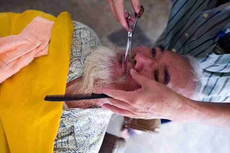 Malesia, settembre 2015. Barber in Malacca.