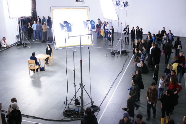 marina-abramovic-the-artist-is-present-di-matthew-akers-usa-2012-2