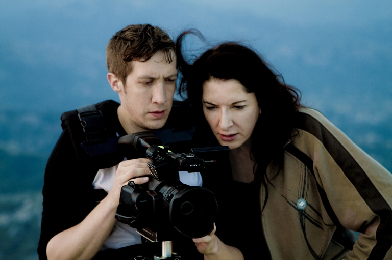 marina-abramovic-the-artist-is-present-di-matthew-akers-usa-2012-6